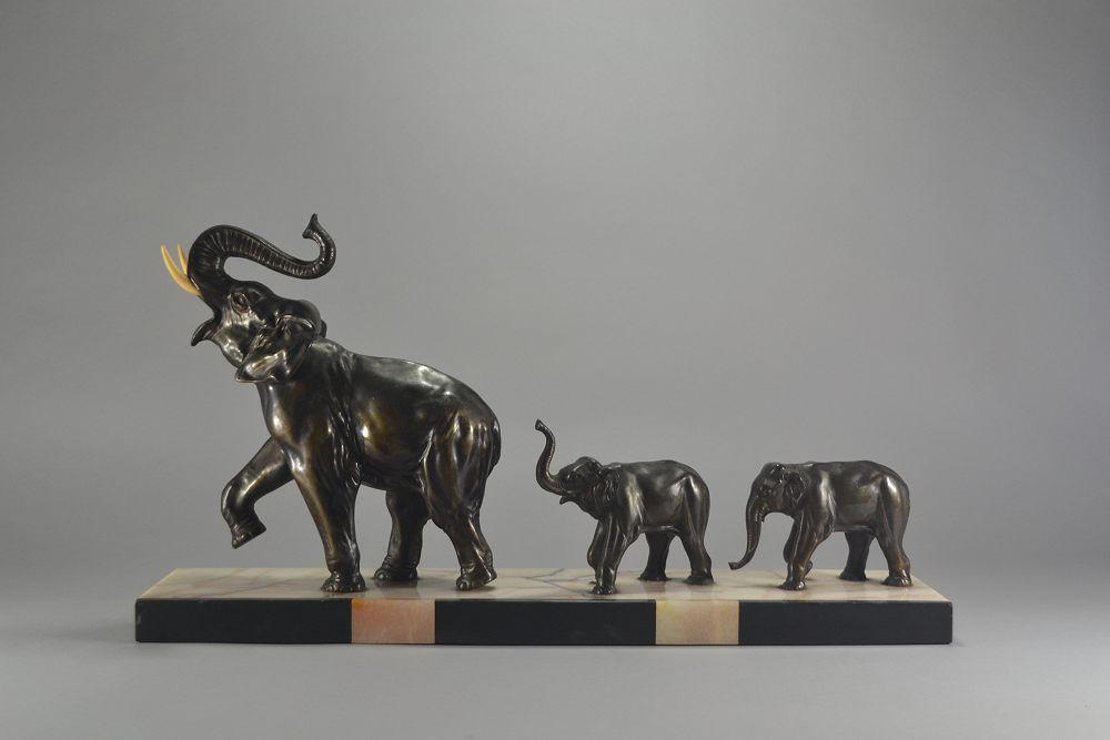 Art deco 3 elephants metal group. Rochard ?