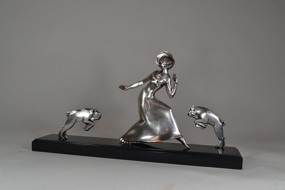 Bronze art deco Elegante by Berjean