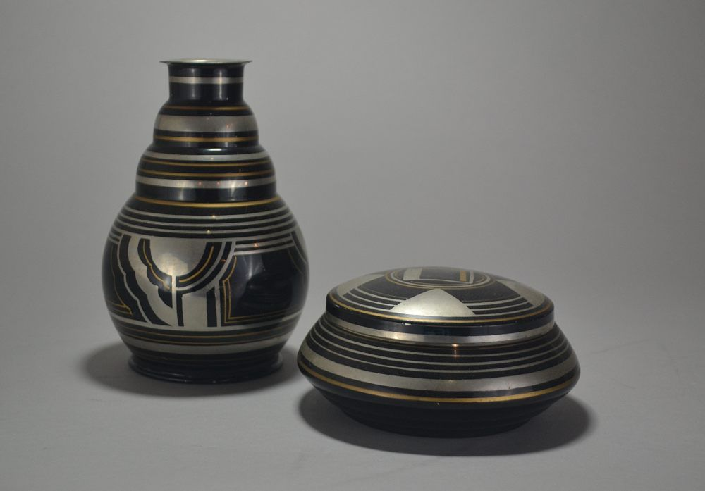 Charles. Rare set of a dinanderie metal box and vase. 1930
