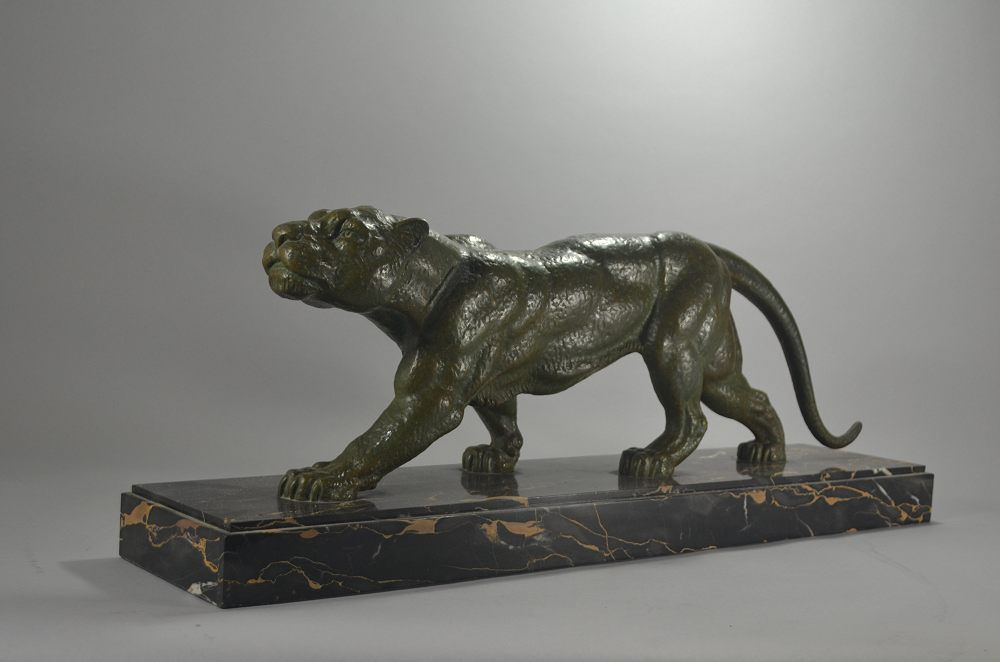 Demeter Chiparus large panther on marble base