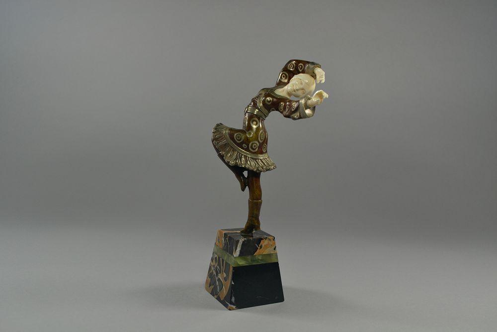 Rare Russian Dancer bronze . Suzanne BERTRAND