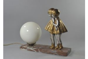 Chiparus. Signed figural lamp with two little girls