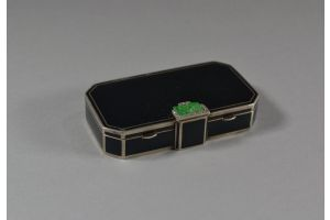 Auguste Peyroula compact, sterling silver, jade, gold. Cartier era