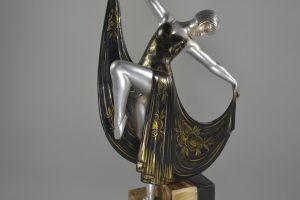 Art deco flapper dancer figure on structured marble base. Limousin ?