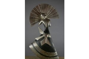 Ghanu Gantcheff bronze figure. Dinanderie patina. Lady with fan