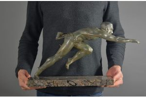 Running man. Signed Valderi art deco figure